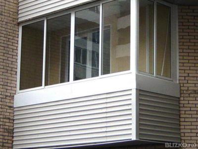 Остекление балкона г-образный 4-створчатое, с поворотной бок.