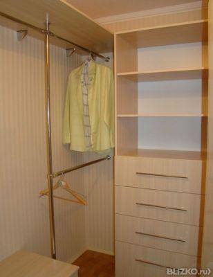 Как сделать из кладовки гардеробную в квартире