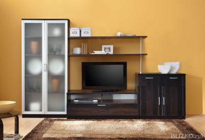 Гостиная корпусная / встроенная 10001310 со шкафом под посуд.