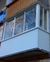 Остекление балконов в алюминиевой раме, с выносом, сравнить .
